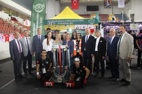 FRC MERSİN OFF SEASON 2019 LİSELER ARASI ROBOTİK TURNUVASI BAŞLADI